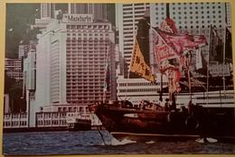 CARTOLINA VIAGGIATA HONG KONG RIMINI ANNI 70 AFFRANCATURA 70C REGINA ELISABETTA - Cina (Hong Kong)