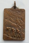"""MEDAGLIA - CLUB ALPINO ITALIANO-SEZIONE DELL'ETNA 1955 - """"TROFEO DELL'ETNA INTERNAZIONALE SCI ALPINISTICA"""" - Sport Invernali"""