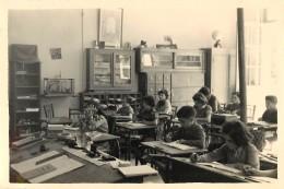 PHOTOGRAPHIE : MOULIDARS . CHARENTE. CLASSE DE 1954. ( Vue De Face ).  INSTITUTEUR Mr REICH. - Photographs