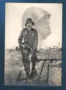 Cp 1935 Portrait De Mussolini En Surimpression De La Photo D'un Militaire En Ethiopie - Hommes Politiques & Militaires