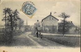 CPA.- FRANCE - Feucherolles Est Situé Dans Le Départ. Des Yvelines - L'Entrée Du Village - Daté 1904  - TBE - France