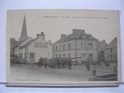 56 - NOYAL PONTIVY - EN 1914 - LA PLACE DE LA BASCULE ET VUE DU CLOCHER - ANIMEE - SOLDATS - CANONS - Pontivy