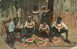 """Famille Noire Mangeant Des Pastèques """"in The Good Old Summer Time""""                -- S M Kress & Co - Etats-Unis"""