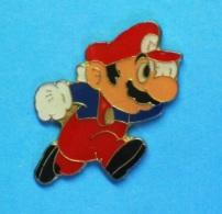 1 PIN'S  //   ** NINTENDO ** SUPER MARIO BROS ** . (©1988 NINTENDO OF AMERICA INC) - Informatique