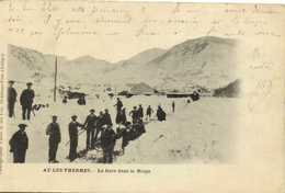 AX LES THERMES  La Gare Dans La Neige Personnages Deblaiement Recto Verso - Ax Les Thermes