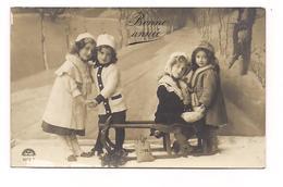ENFANTS DANS LA NEIGE - BONNE ANNEE - - Scènes & Paysages