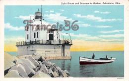 Light House And Entrance To Harbor - Ashtabula - OH Ohio - Etats-Unis