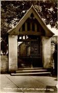 GLAMORGAN - BRIDGEND - NEWCASTLE - ST ILLTYDS CHURCH - LYCH GATE  RP Dyf283 - Glamorgan
