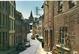 Granville.. Animée La Haute Ville Rue Notre-Dame Voitures Commerces - Granville