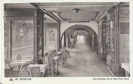 France Postcard - Bayonne - Les Arcades De La Rue Port-Neuf  ZZ1403 - France