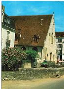 La Ferté-Bernard.. La Salle Des Fêtes Voitures - La Ferte Bernard