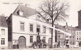 JODOIGNE - Hôtel De Ville - Belle Carte Animée Avec Vitrier Transportant Vitre Au Dessus De Sa Tête - Jodoigne