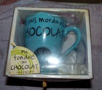 TASSE MA FONDUE AU CHOCOLAT DESING BY CMP NEUVE EN BOITE - Tasses