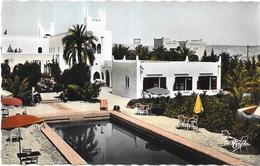 GHARDAIA - ALGERIE - La Piscine Et L'Hotel Transatlantique - VAN - - Ghardaïa