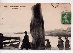 CPA.44.Bourg De Batz.1912.e Menhir.animé Personnages. - Batz-sur-Mer (Bourg De B.)