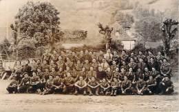 WW2 - Chantier De Jeunesse, Groupe Autour D'un Curé, Dans Les Pyrénées à Localiser, écusson Visible, Carte Photo - Oorlog 1939-45