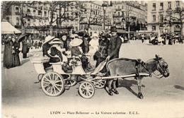 69 LYON  Place Bellecour--La Voiture Enfantine (Attelage) - Lyon