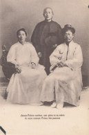 COREE  )) JEUNE PRETRE COREEN, Son Pere Et Sa Mère - Korea, North