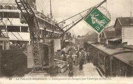 Cpa La Pallice Rochelle Embarquement Des Passagers Pour L'amerique Du Sud - La Rochelle