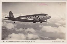 REF162 CARTE PHOTO KLM VERKEERSVLIEGTUIG TYPE DOUGLAS D.C.2 FOTO KLM TRES BEAU PLAN VOIR CACHET - 1946-....: Moderne