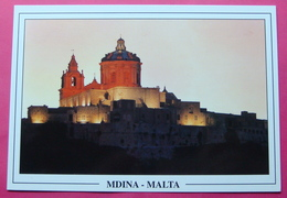 MDINA BY NIGHT - Malte