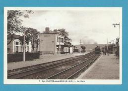 CPSM 1 - Chemin De Fer Arrivée D'un Train En Gare LES CLAYES SOUS BOIS 78 - Les Clayes Sous Bois