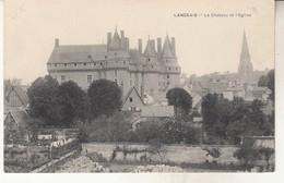Langeais   Le Chateau Et L'Eglise - Langeais