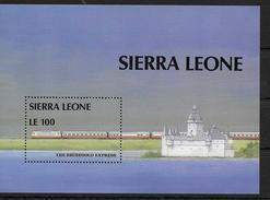 SIERRA LEONE   BF 64    * * ( Cote 10e)  Trains - Eisenbahnen