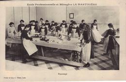 LYON Ecole Des Sciences Et Arts Industriels LA MARTINIERE.Repassage - Lyon
