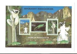 BLOC  FEUILLET  NON DENTELE - MADAGASCAR
