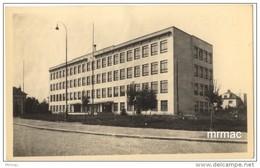 Vintage Postcard, Hradec Kralove - Prazske Predmesti. Nova Skola, Czech Republic (ref.# 2821e) - Tchéquie
