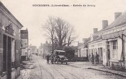 41   OUCHAMPS  :  ENTREE  DU  BOURG  .  (  2  SCANS R° V°  ) . - France