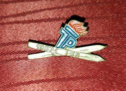 DDR, EAST GERMANY, RARE ORIGINAL OLD VINTAGE SKIING PIN BADGE 1957- 1958 - Wintersport