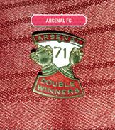 ARSENAL FC ENGLAND 1971., ORIGINAL VINTAGE PIN BADGE, DOUBLE WINNERS - Football