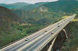 Autobahn Caracas - La Guaira 1965 (ak0001) - Ansichtskarten