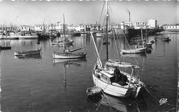 ¤¤  -  1588   -  ILE D'YEU   -  Vue Générale De Port Joinville   -  Bateaux De Pêche  -  ¤¤ - Ile D'Yeu