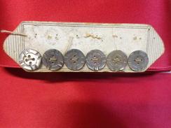 6 Boutons En Nacre -ancien- - Habits & Linge D'époque