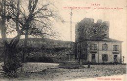 B33144 Capdenac Le Haut, La Vieille Tour Et La Place - Unclassified