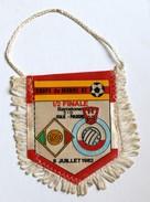 Fanion Football  Italie Pologne Coupe Du Monde 1982 World Cup Italy Poland 1/2 Finale - Habillement, Souvenirs & Autres