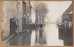 Kent   CANTERBURY   Street Under Flood Water Man In Punting A Boat RP  K327 - Canterbury