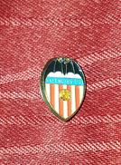 VALENCIA CF, ORIGINAL VINTAGE PIN, BADGE, SPAIN ESPAÑA, FOOTBALL SOCCER - Fútbol