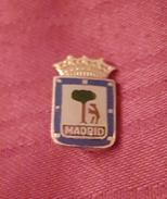 ATLETICO MADRID CF, ORIGINAL PIN, BADGE, SPAIN ESPAÑA, FOOTBALL SOCCER - Fútbol