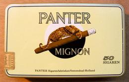 BOITE EN TOLE PANTER MIGON 50 SIGAREN PANTER SIGAREN-FABRIKEN VEENENDAAL-HOLLAND - Boîtes