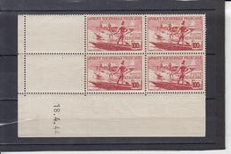 A.E.F. Poste AERIENNE  Hydravion  100F  Coins Dates Le 18 4 1944 Neuf     BLOC De 4 Timbres - Neufs