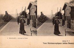 CPA    -    BEAULIEU    -   ARRIVEE DU TRAIN   -   VUES STEREOSCOPIQUES JULIEN DAMOY - Beaulieu-sur-Mer