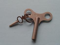 Key / Sleutel Voor Klok / Horloge ( 6-375 ) With Small Key N° 10 ( Metal - Zie Foto Details ) !! - Bells
