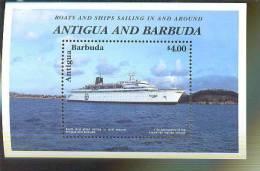 ANTIGUA  & BARBUDA   2287 MINT NEVER HINGED SOUVENIR SHEET OF SHIPS - Barcos