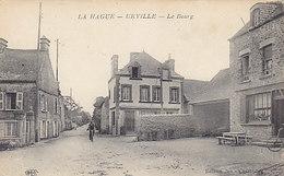 L Hague-Urville - Le Bourg      (A32-150207) - Francia