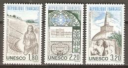 FRANCE    -    SERVICE   -    1985 .  Y&T N° 88 à 90 **.    UNESCO.   Série Complète - Mint/Hinged