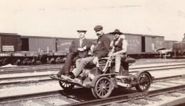 Canada? Chemins De Fer 3 Hommes Sur Draisine D'Inspection Ancienne Photo 1910